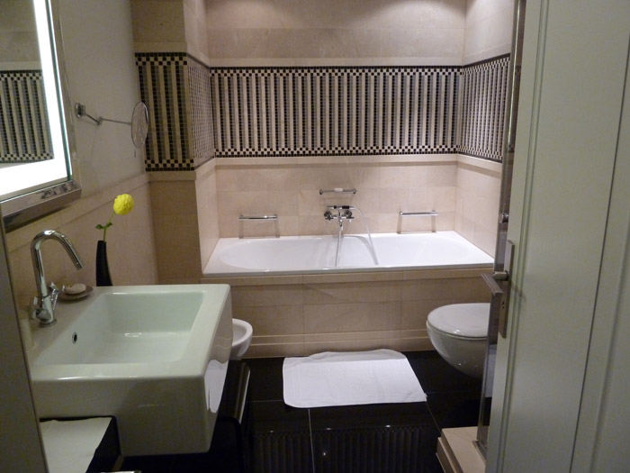Hotel de Rome. Berlín. Habitación 426. Baño.
