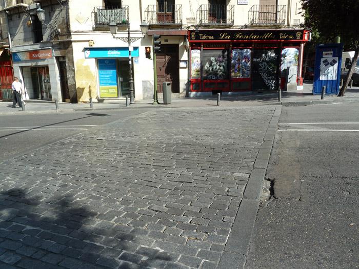 Adoquines. Madrid. Plaza de Puerta Cerrada