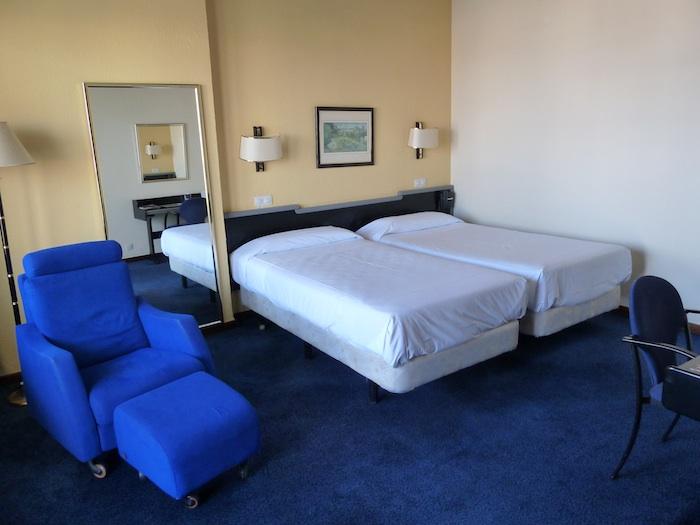 Hotel Imperial Tarraco. Tarragona. Habitación. Cama doble.