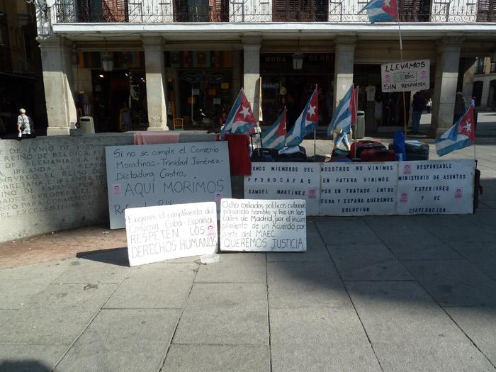 Adoquines. Madrid. Plaza de la Provincia. Manifestación