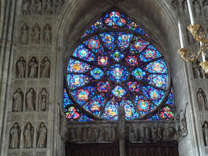 Catedral de Reims. Francia. Vidriera. Interior
