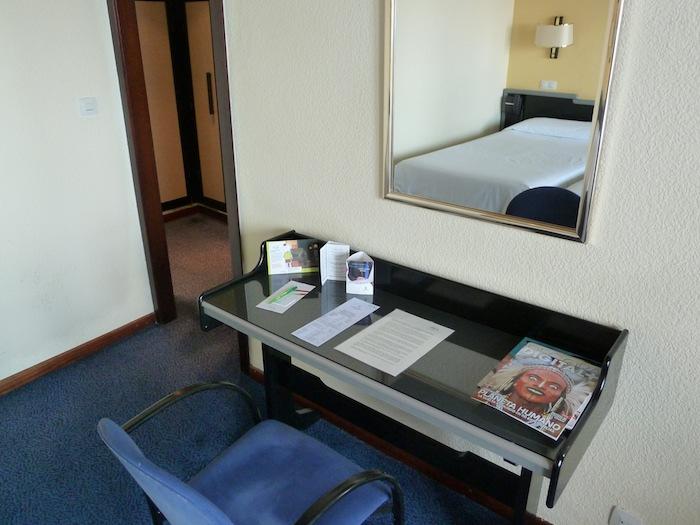Hotel Imperial Tarraco. Tarragona.. Habitación. Escritorio