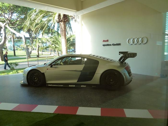 Audi R8 LMS. Vista lateral.