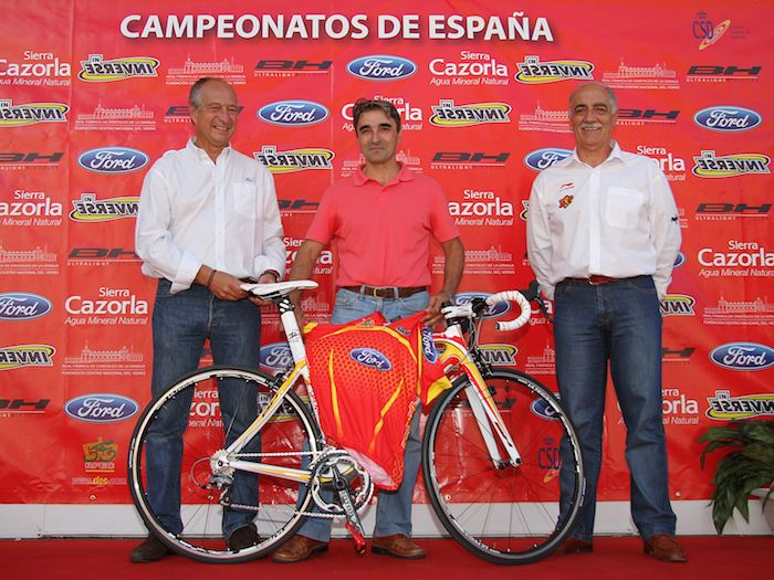 Bicicleta firmada por Miguel Induráin