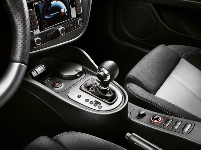 Prueba interesante. Seat León FR 2.0-TSI DSG. Palanca de cambios