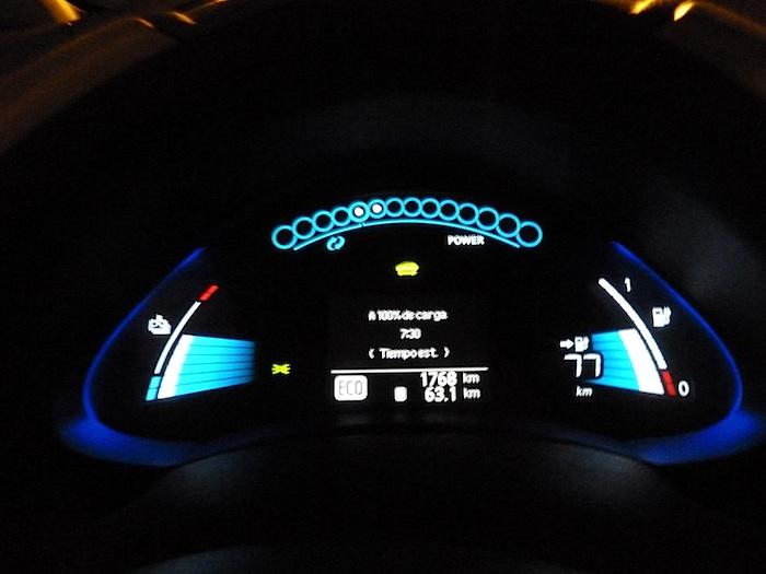 Nissan Leaf. Autonomía 77 kilometros