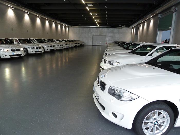 BMW Active E. Aparcados, en espera.