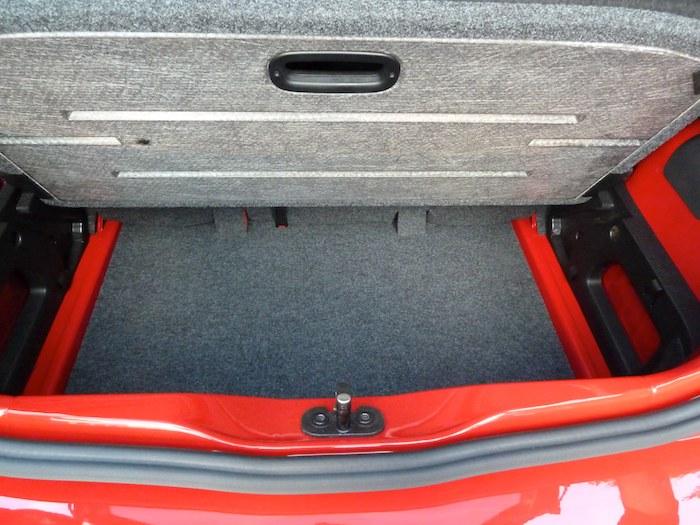 Volkswagen up! Maletero con doble fondo