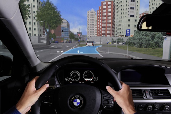 BMW. Head-up-display. Navigator. Augmented reality.