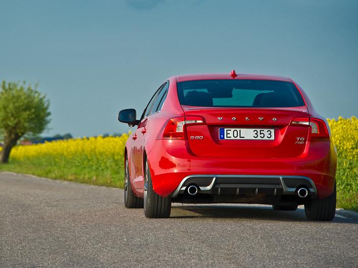 Prueba de consumo. Volvo S60 1.6D DRIVe. Posterior, rojo.