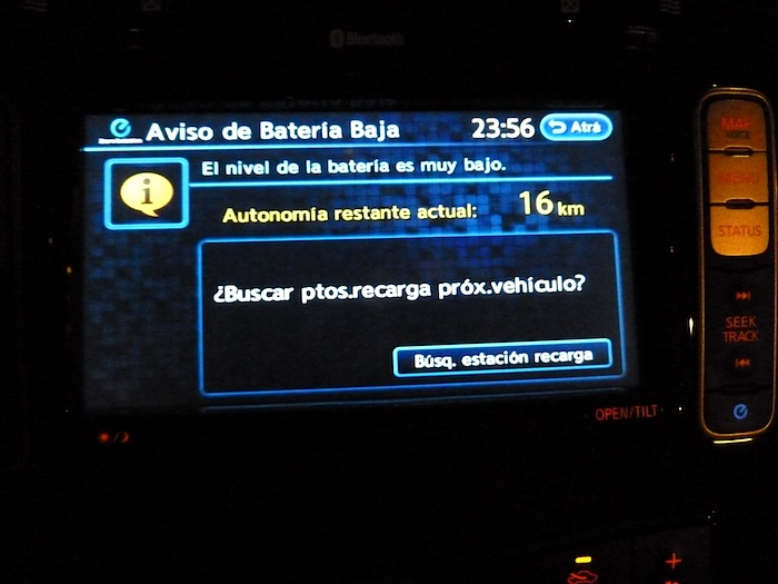 Nissan Leaf. En modo ECO. 125 km. Navegador. Reserva