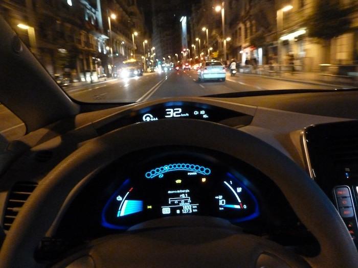 Nissan Leaf. En modo ECO. 125 km. Madrid, Gran Vía