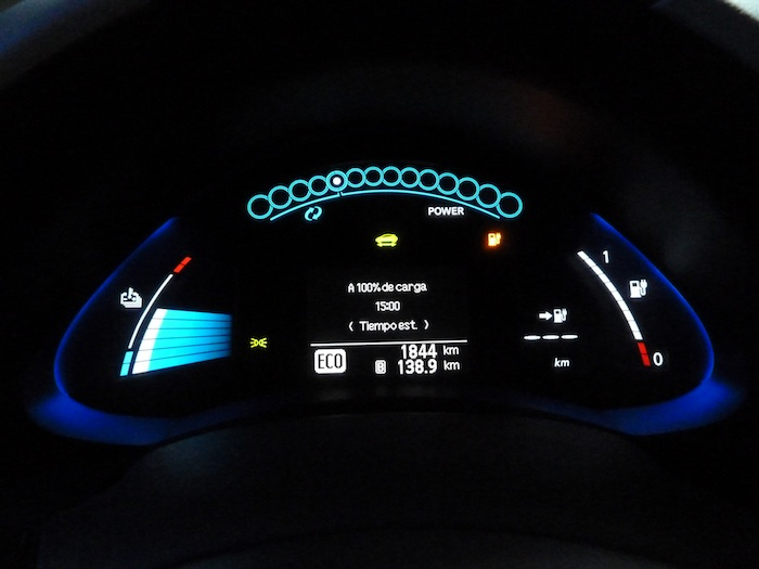 Nissan Leaf. En modo ECO. Recorrido 140 km. 15 horas