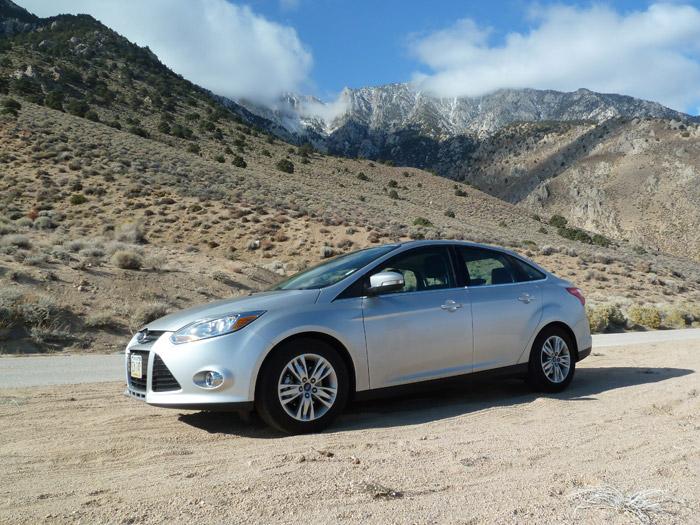 Ford Focus. Lone Pine. California. Vista Lateral