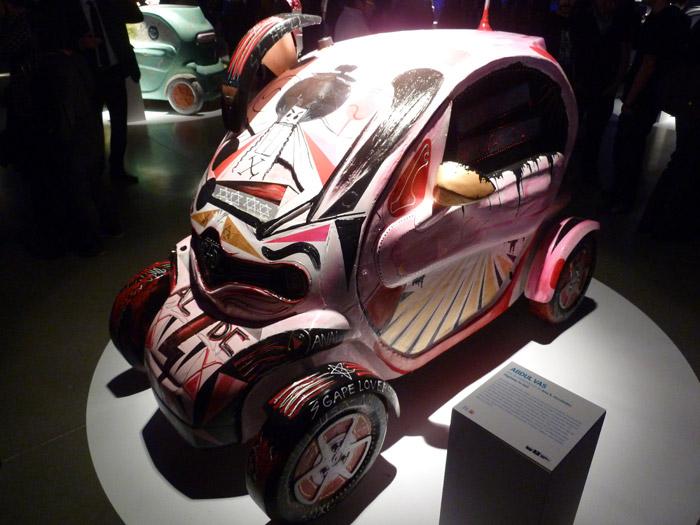 Renault Twizy. Exposición. Matadero de Madrid. Abdul Vas. Highway to hell
