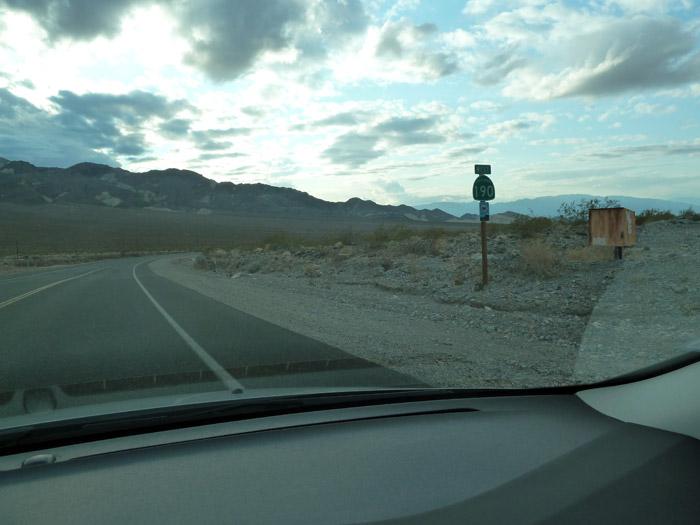 El Valle de la Muerte. California. Estados Unidos. Señal de tráfico