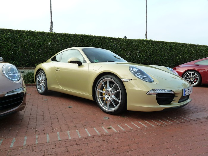 Porsche 911 (991) Year 2012. Lime Gold Metallic