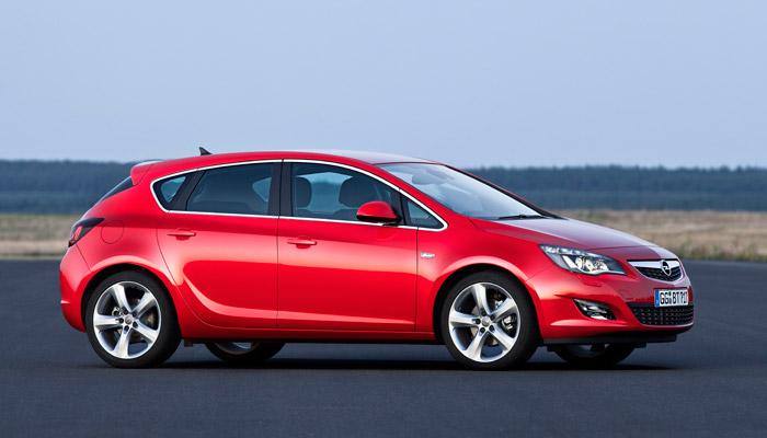 Opel Astra ecoFLEX 1.3-CDTi 95 CV. Lateral