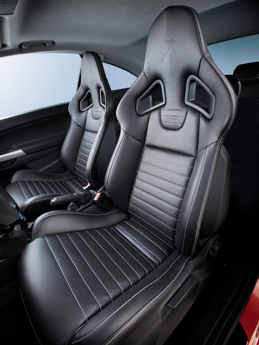 "Opel Corsa OPC ""Nürburgring Edition"". Asientos"