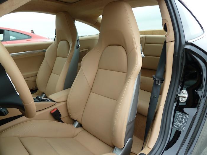 Porsche 911 Carrera. Negro Basalto Metalizado. Cuero Beige Luxor.