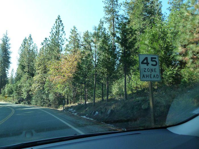 USA Zone Ahead 45. Límite de velocidad en EEUU