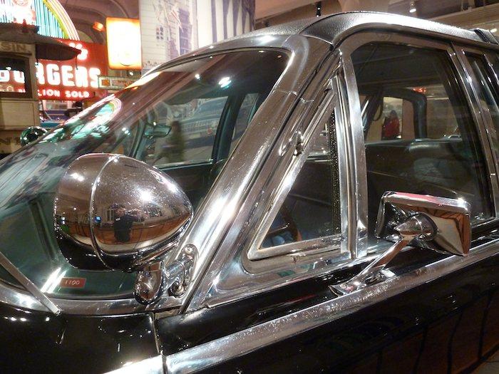 el coche Kennedy. Montante delantero