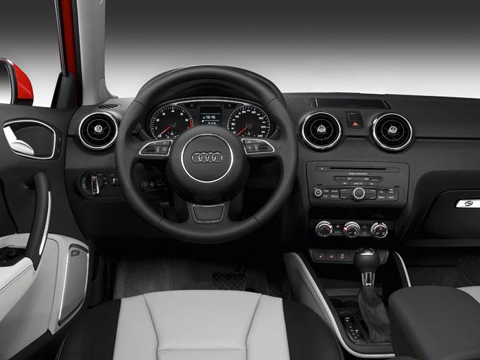 Audi A-1 1.6-TDI 90 CV. Interior 2