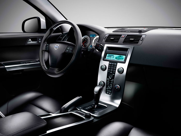 Volvo C30 1.6D DRIVe 115 CV. Salpicadero. Volante.