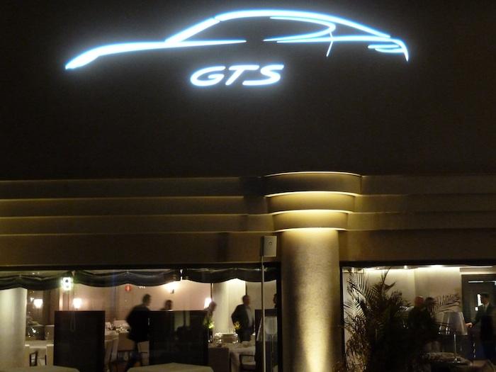 Porsche Panamera GTS. Hotel Vincci Benalmadena
