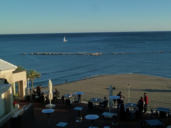 Playa desde el hotel Vincci Oshum Benalmadena