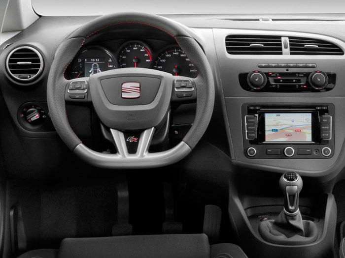 Prueba interesante (12): Seat León FR 1.8-TSI. Volante. Salpicadero