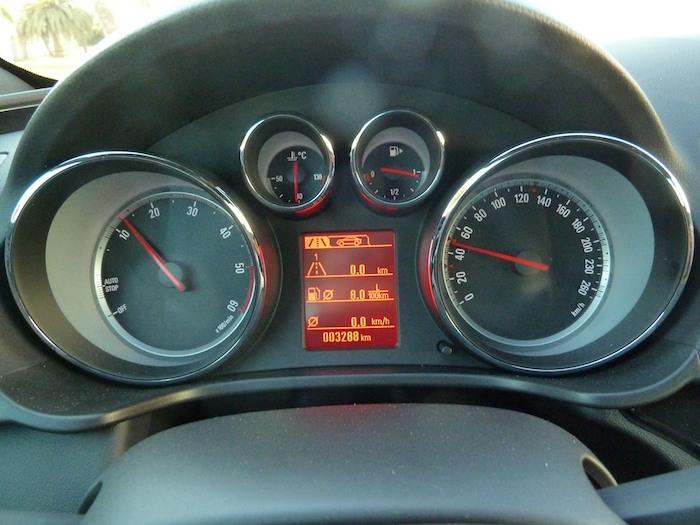 Opel Insignia. Puesta a cero del indicador