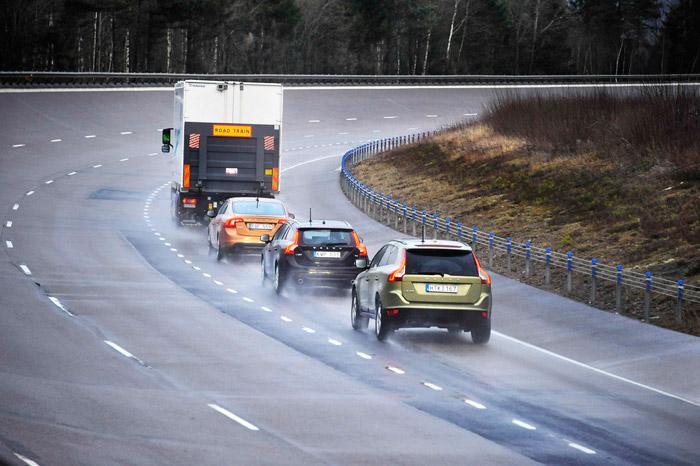 Proyecto SARTRE: procesión tras un camión