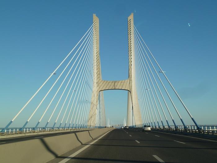 Portugal. Puente colgante.