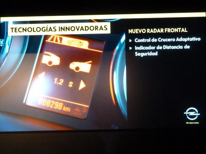 Opel Insignia. Distancia de seguridad. Radar frontal.