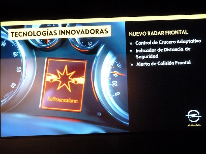 Opel Insignia. Alerta de colisión. Radar frontal.