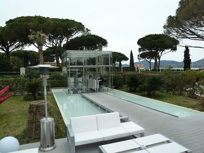 Cubo de recepción. Hotel Kube. Saint Tropez. Francia.