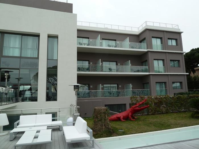 Fachada Hotel Kube. Saint Tropez.