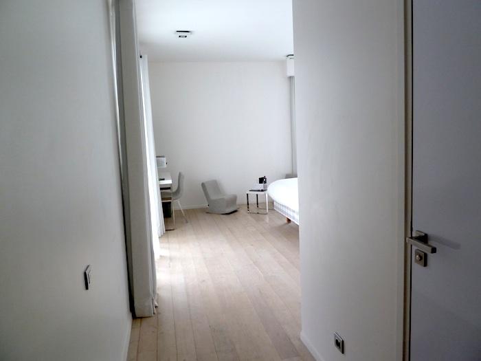 Hotel Kube. Saint Tropez. Habitacion 223, desde la entrada