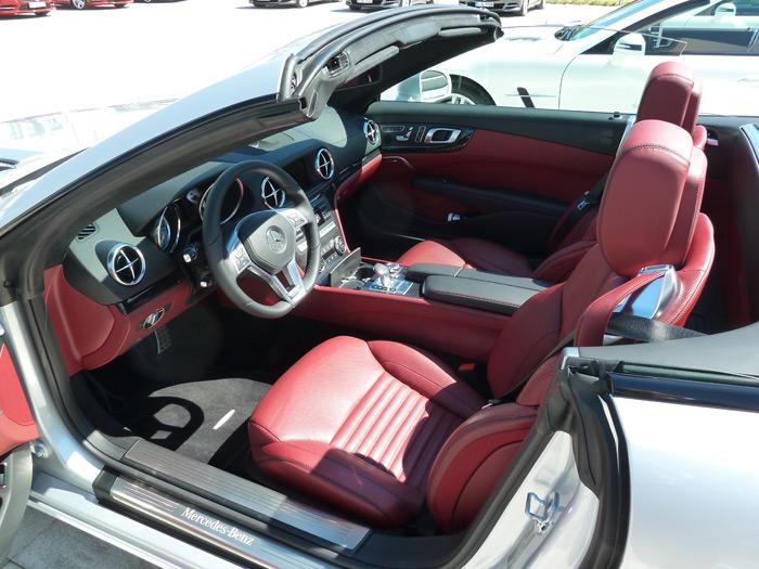 Mercedes-Benz Clase SL. Interior. Cuero napa rojo bengala