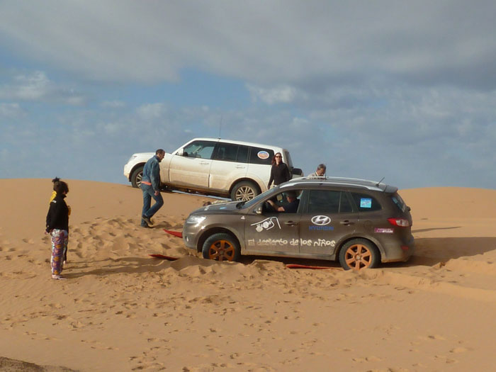 Atrapados en la arena del desierto