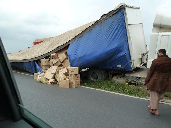 Accidente. Corrimiento de carga