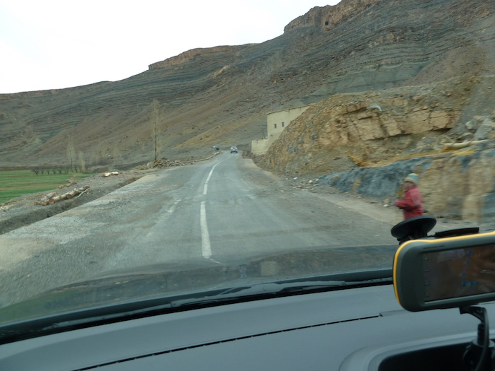 18b-ninnos-carretera