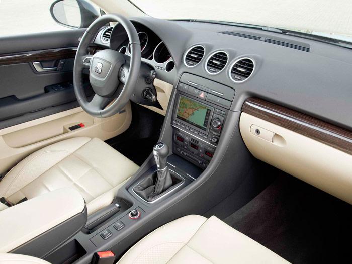 Seat Exeo 2.0-TDI 120 CV. Interior, salpicadero.