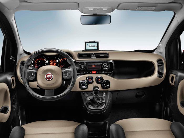 Fiat Panda. Interior, salpicadero, asientos.