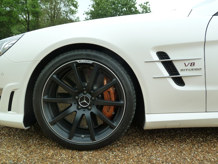 Mercedes-Benz SL 63 AMG. Frenos ceramicos
