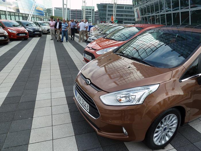 Ford B-MAX. El coche para llevar niños pequeños.