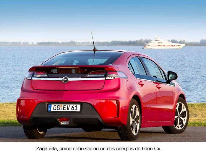 Opel Ampera. Vista posterior. Rojo