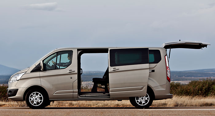 Ford Tourneo Custom. Modelo 2013