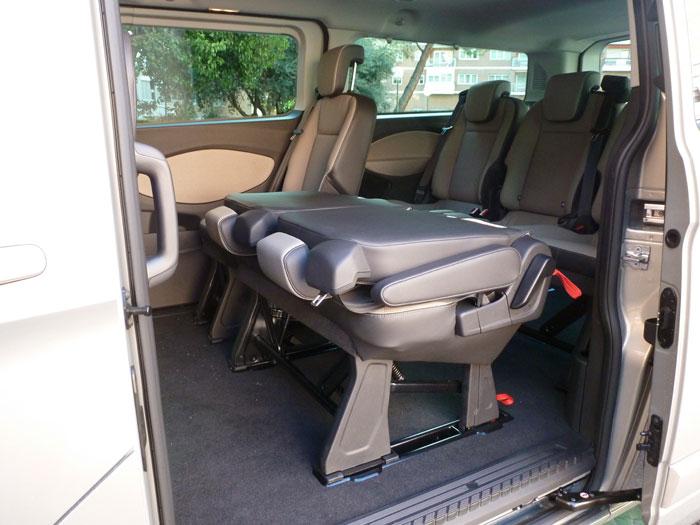 Ford Tourneo Custom. Asientos abatidos